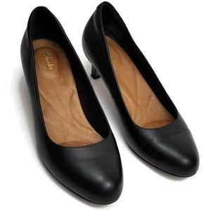 Clarks Artisian Black Leather Pumps Shoes 8M